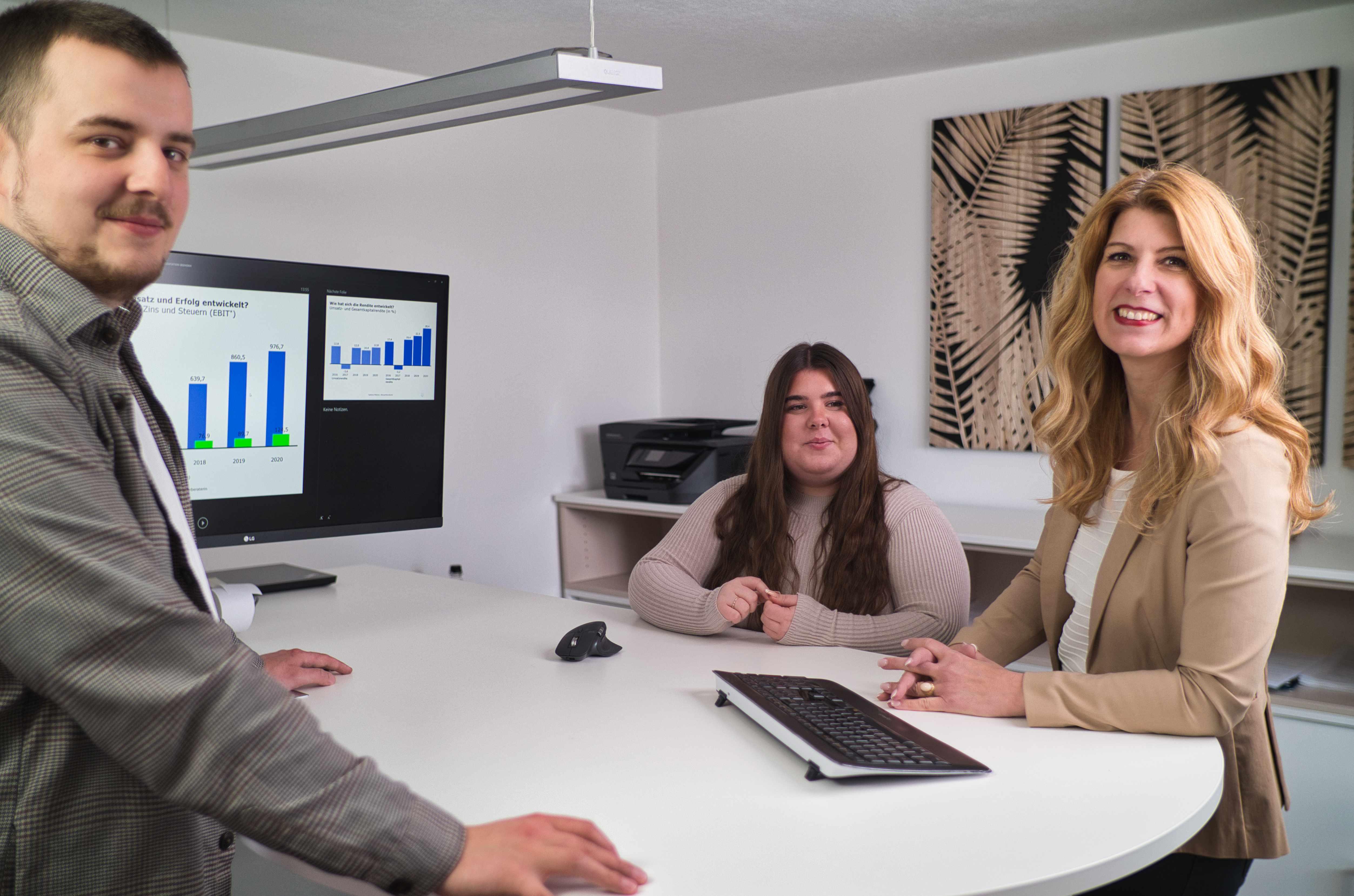 Steuerberaterin Sabine Platzer Team im Büro Überlingen