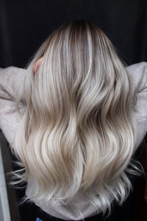 Balayage askig blondin