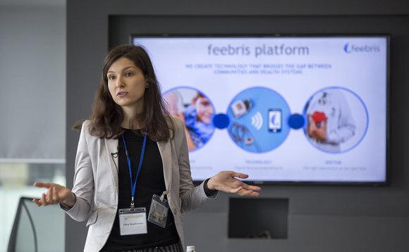Elina Naydenova presenting the Feebris platform