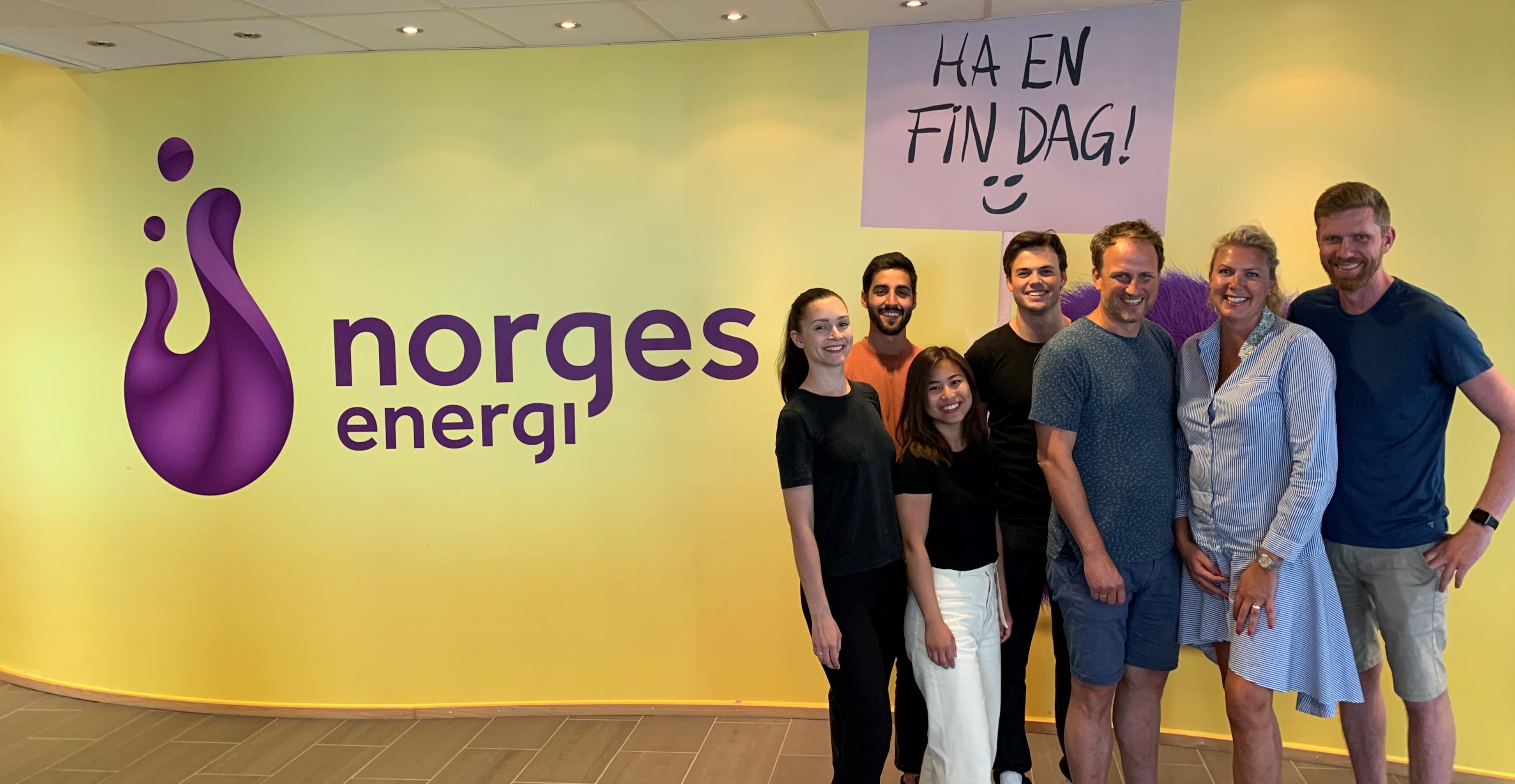 Sommersprint 2020 studenter og fasilitatorer på besøk hos NorgesEnergi