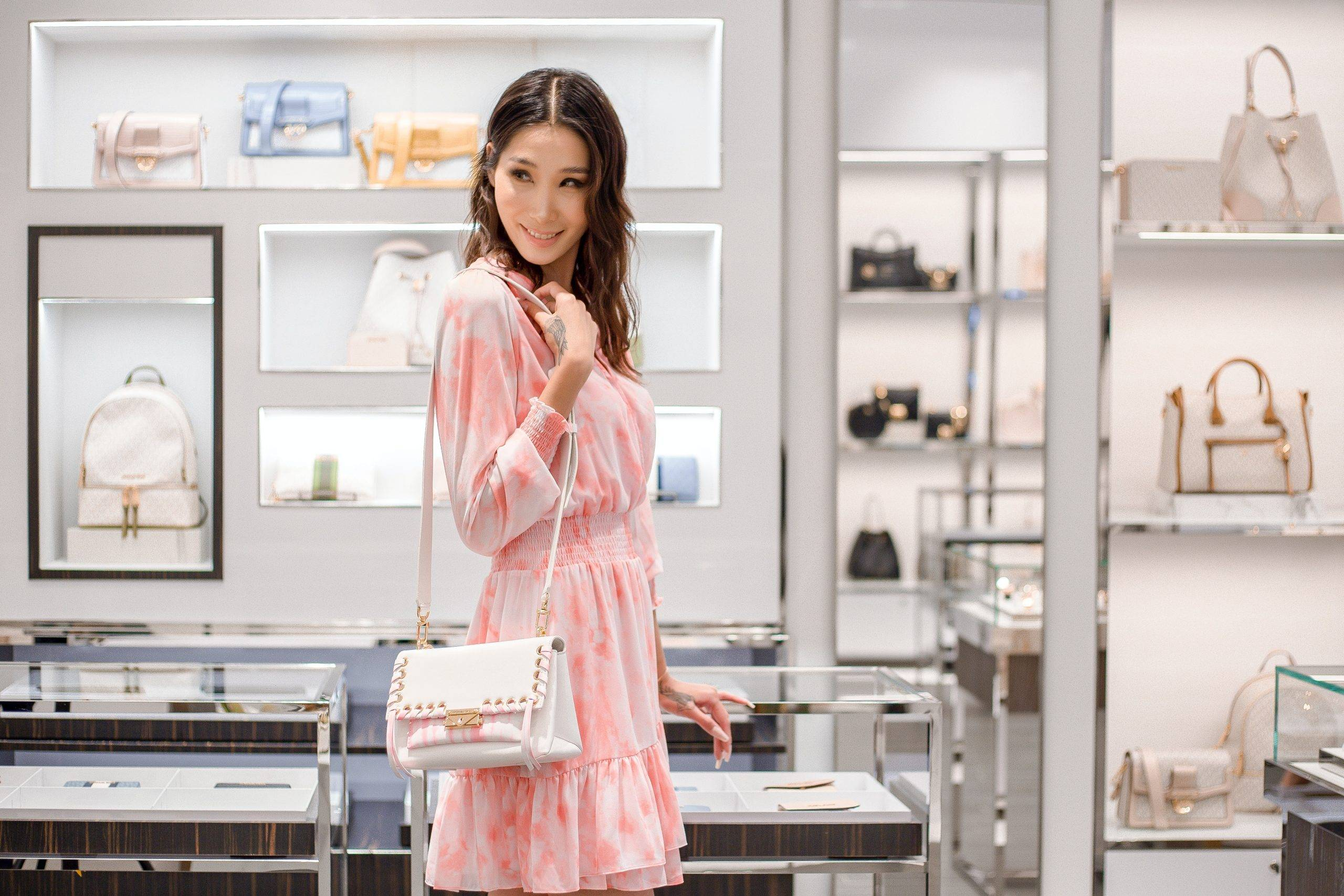 How Singapore Fashion Retailers Can Get Accurate Insights on Consumer Demand