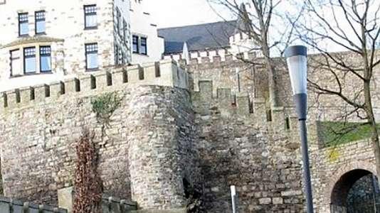Ein Bild einer Burg der Stadt Herzogenrath.