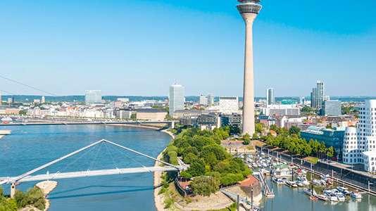 Ein Bild von der Skyline der Stadt Düsseldorf.