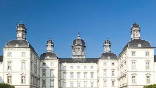Ein Bild eines Schlosses in Bergisch-Gladbach.