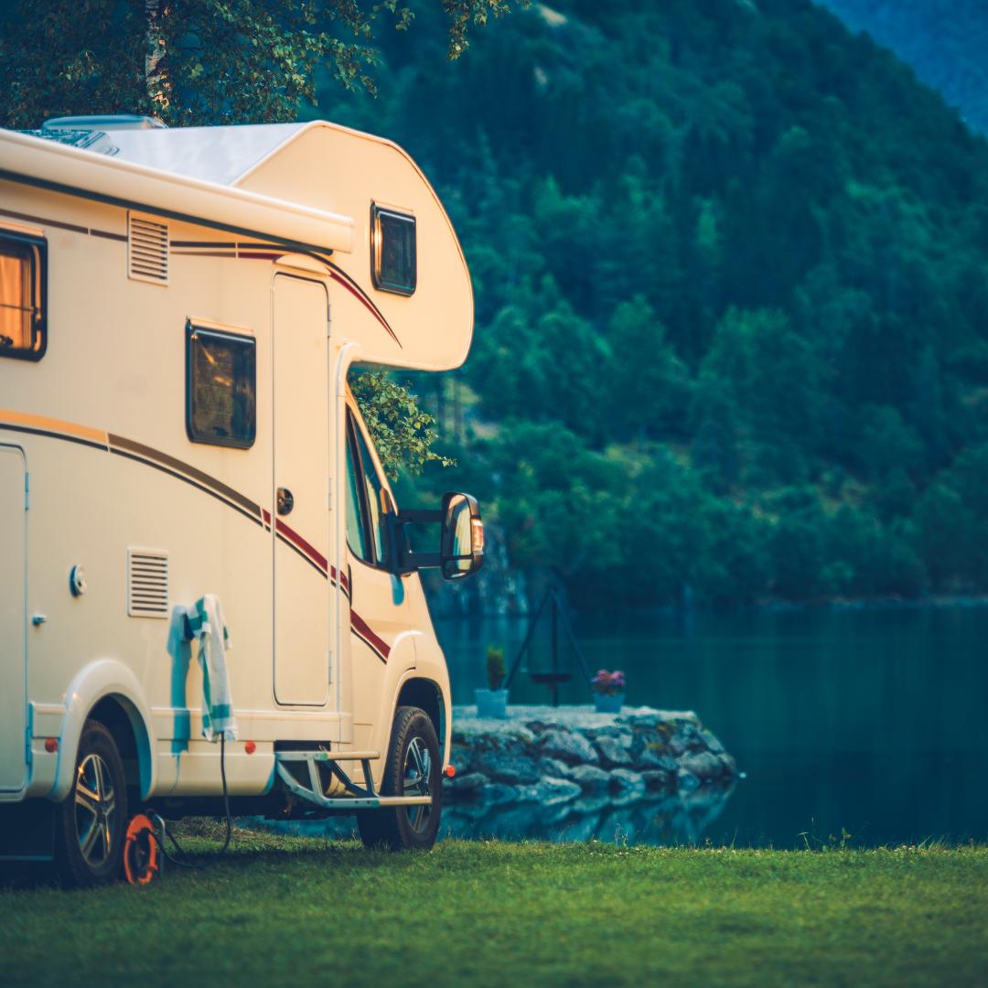 Campingplatz oder Stellplatz - beides hat seine Reize. Foto: Canva
