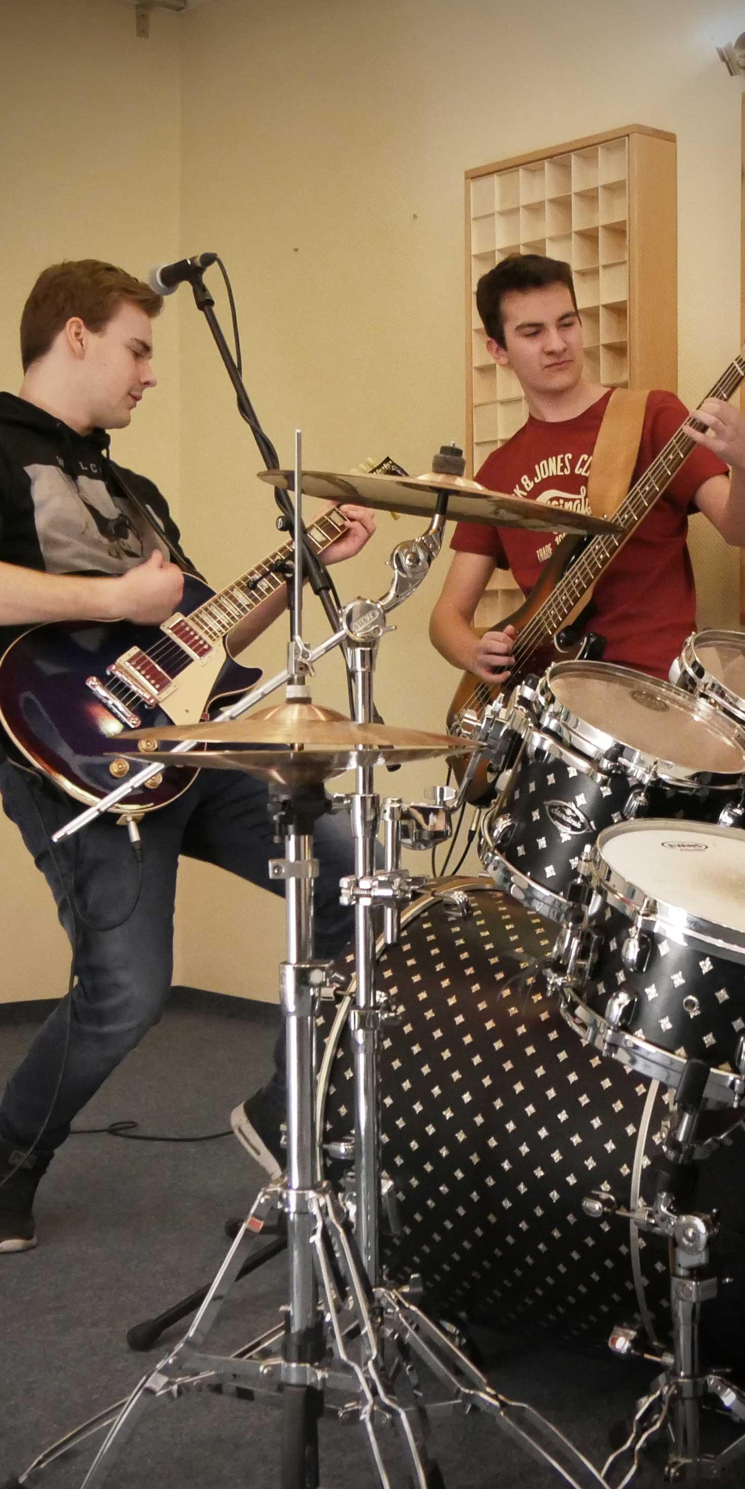 Rockband beim Üben