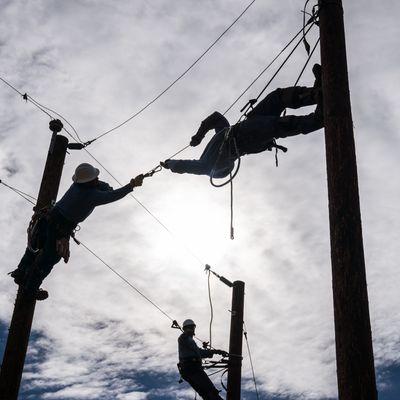 Lineworker Pre-Apprenticeship Program