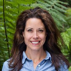 Volunteer Lauren Miller