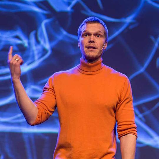 Tomas Myklebust er en ettertraktet foredragsholder og foreleser av temaer innen hjerneforskning og psykologi.