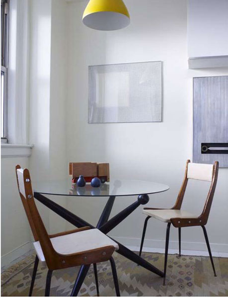 Upper West Side Residence Round Table and Chairs