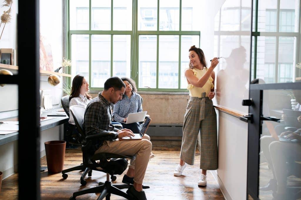 Treinamento de comunicação assertiva: por que oferecer aos funcionários?