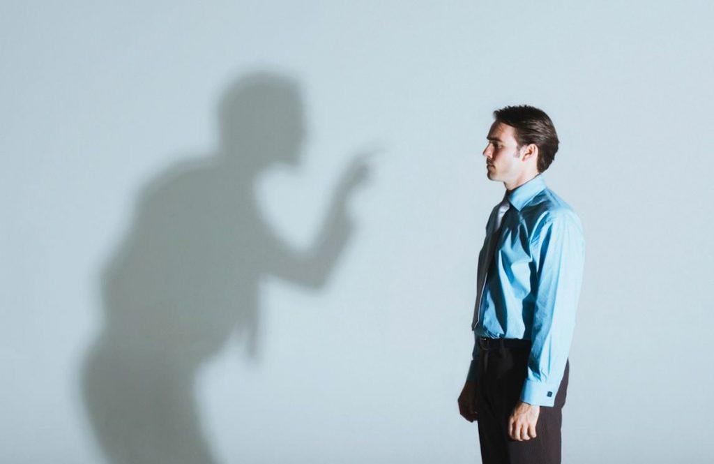 Hábitos que limitam a carreira: é possível muda-los?