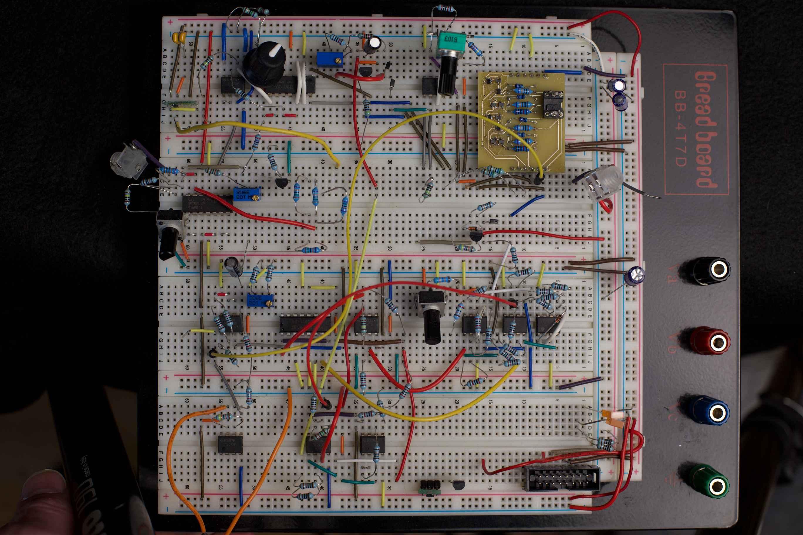 Expert Sleepers // Andrew Ostler // Breadboard prototype Lorelei VCO