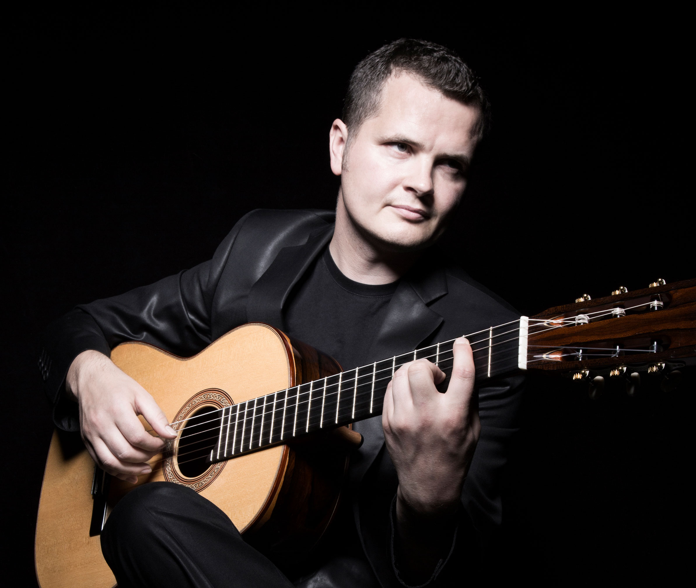 Alec O'Leary classical guitar player