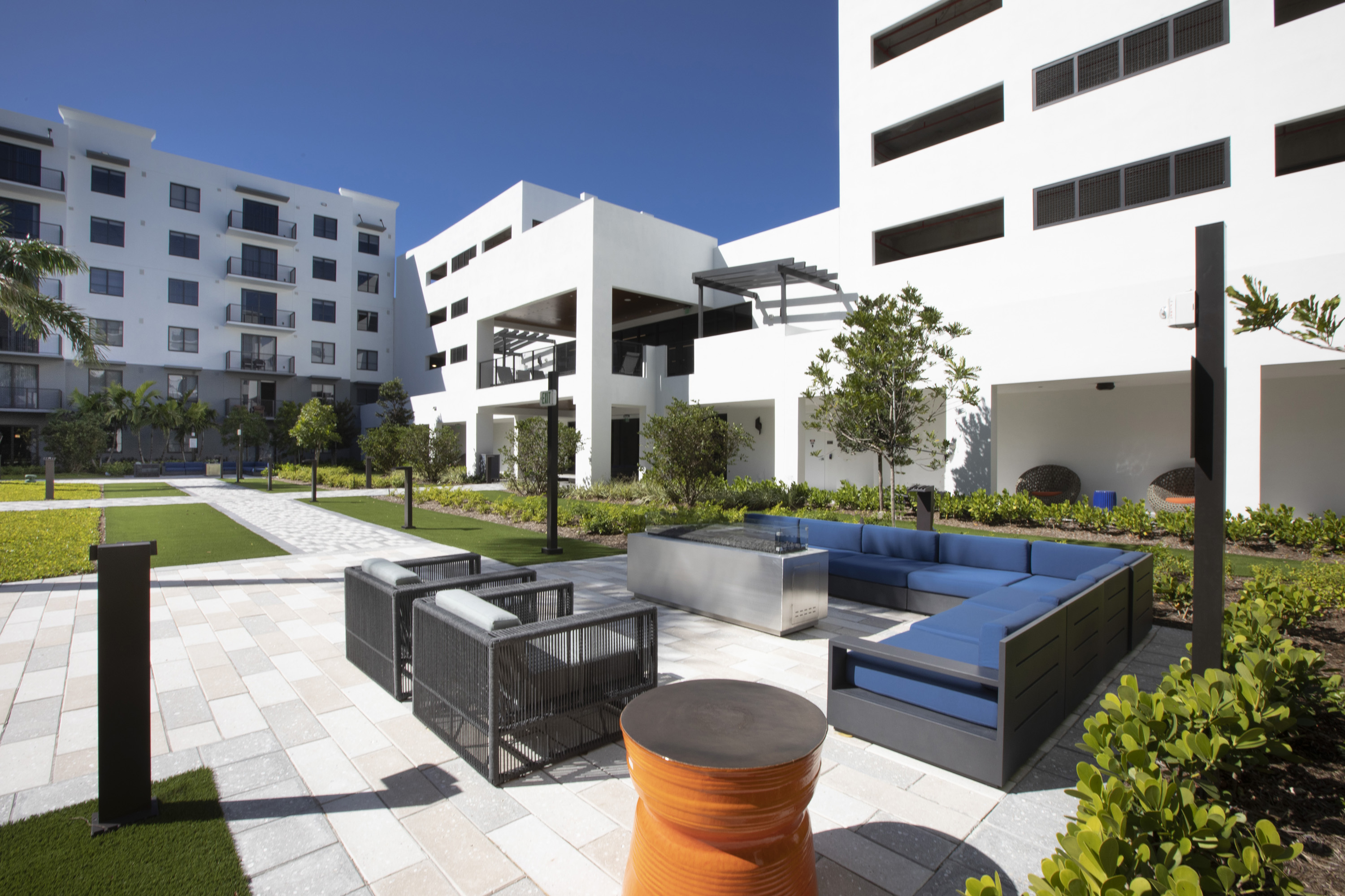 courtyard outdoor lounge area