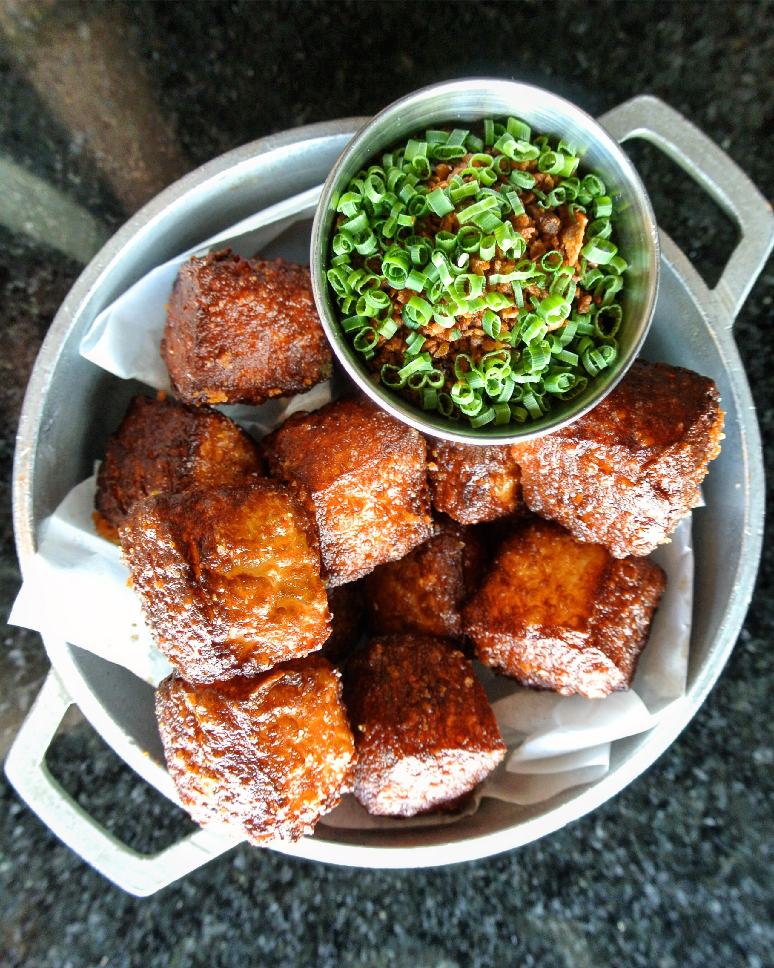 Queso frito shoma bazaar vendor