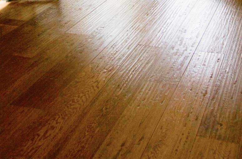La piallatura dolce lascia le tue tavole lisce e levigate, rendendo il tuo parquet estremamente luminoso - Menconi Parquet