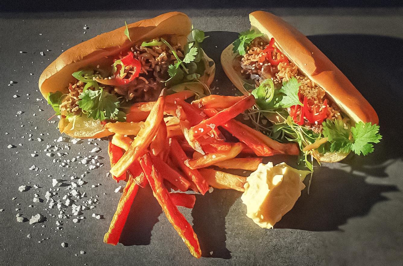 Kasvisranskalaiset & Hot Dog Korean tapaan