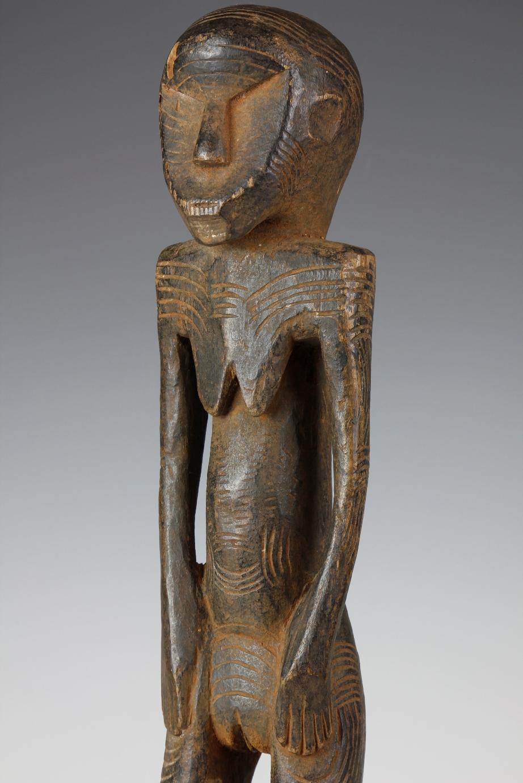 Lomwe Figure
