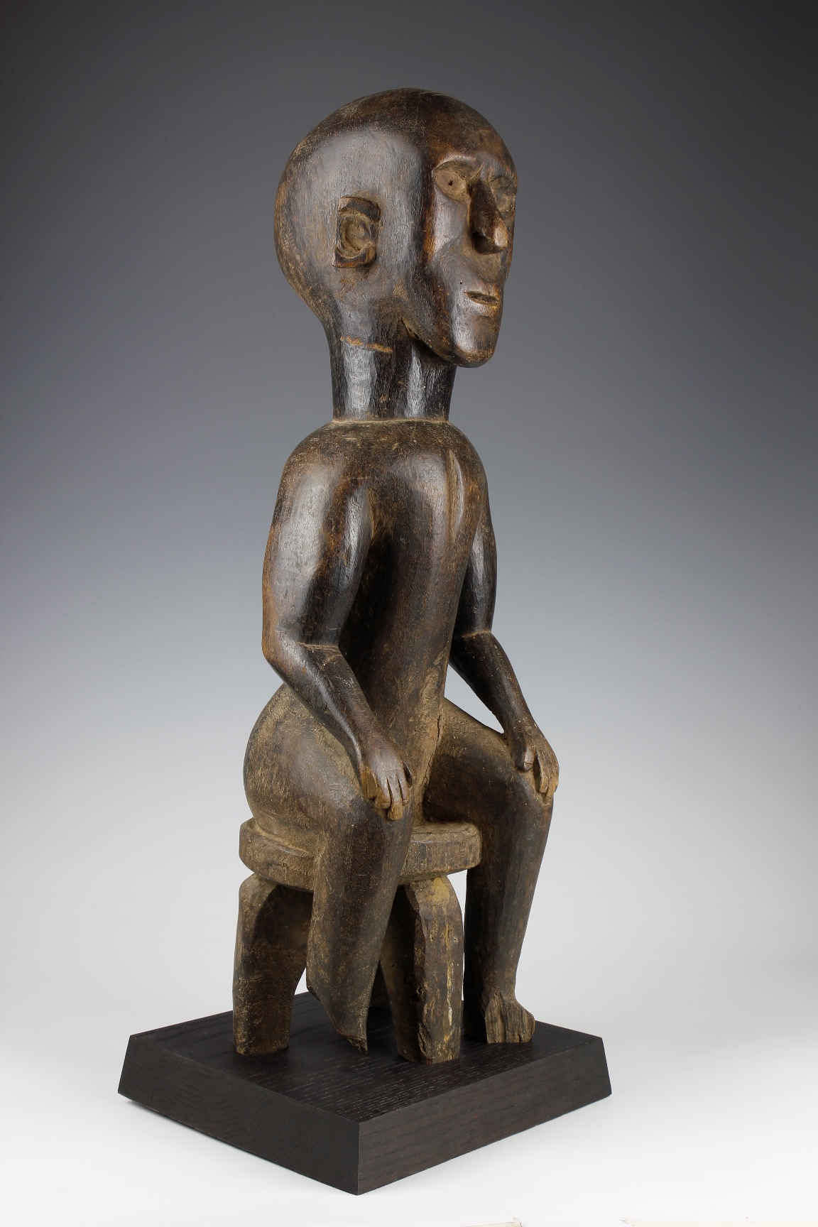 Kaguru Seated Figure