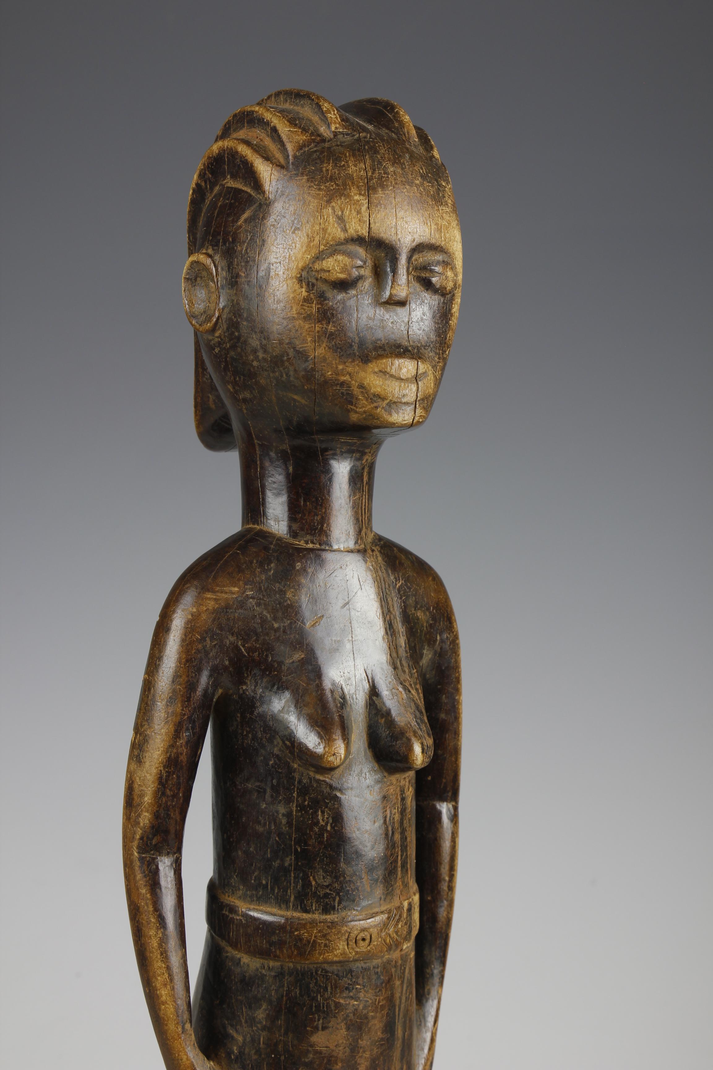 Kwere Figure