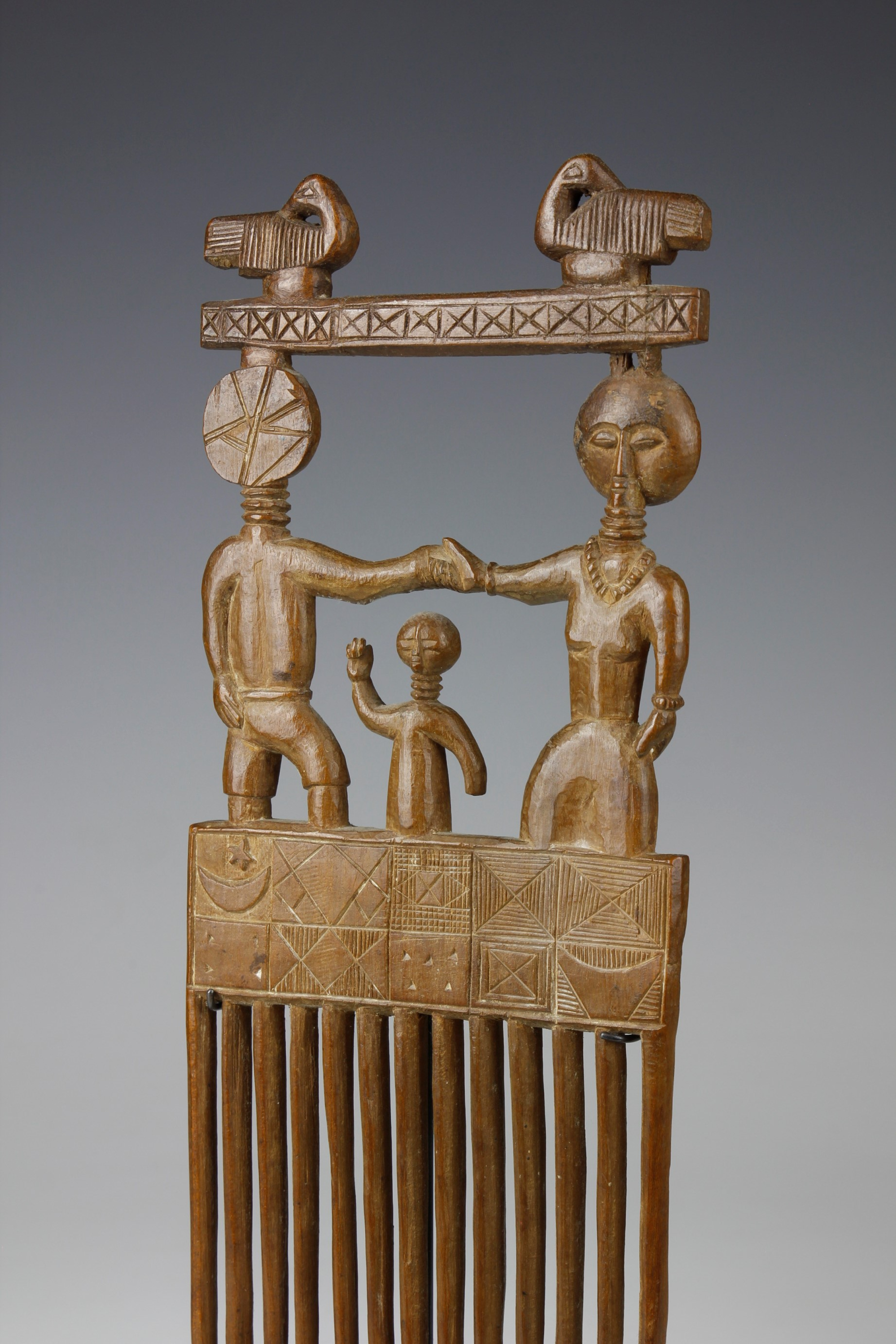 LARGE AKAN COMB FAMILY