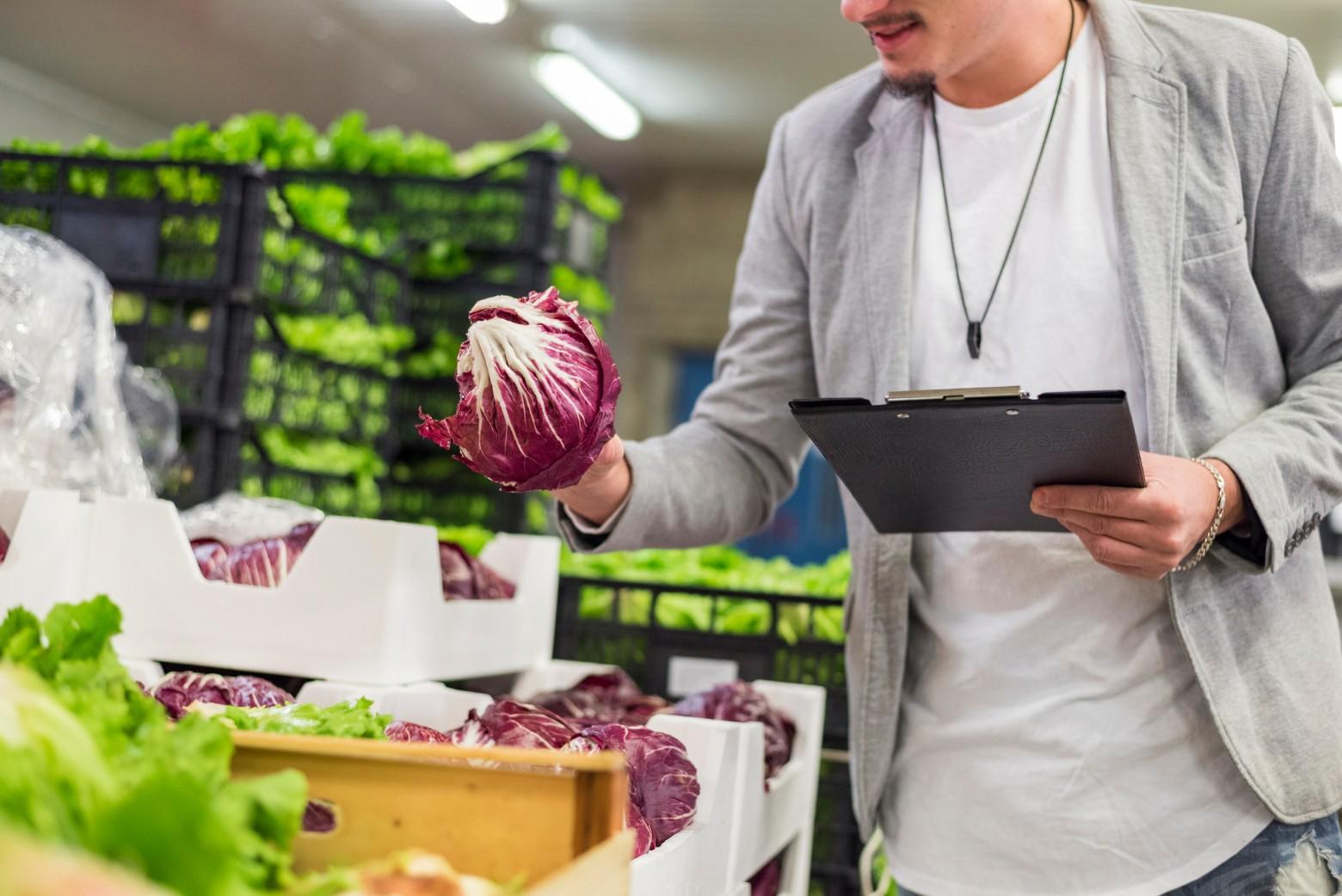6 dicas imperdíveis para fazer o controle de estoque do supermercado!