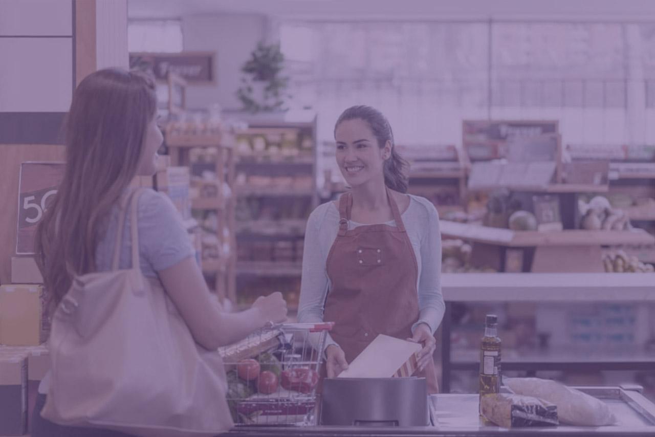 Qual é a importância do atendimento em supermercados pequenos?