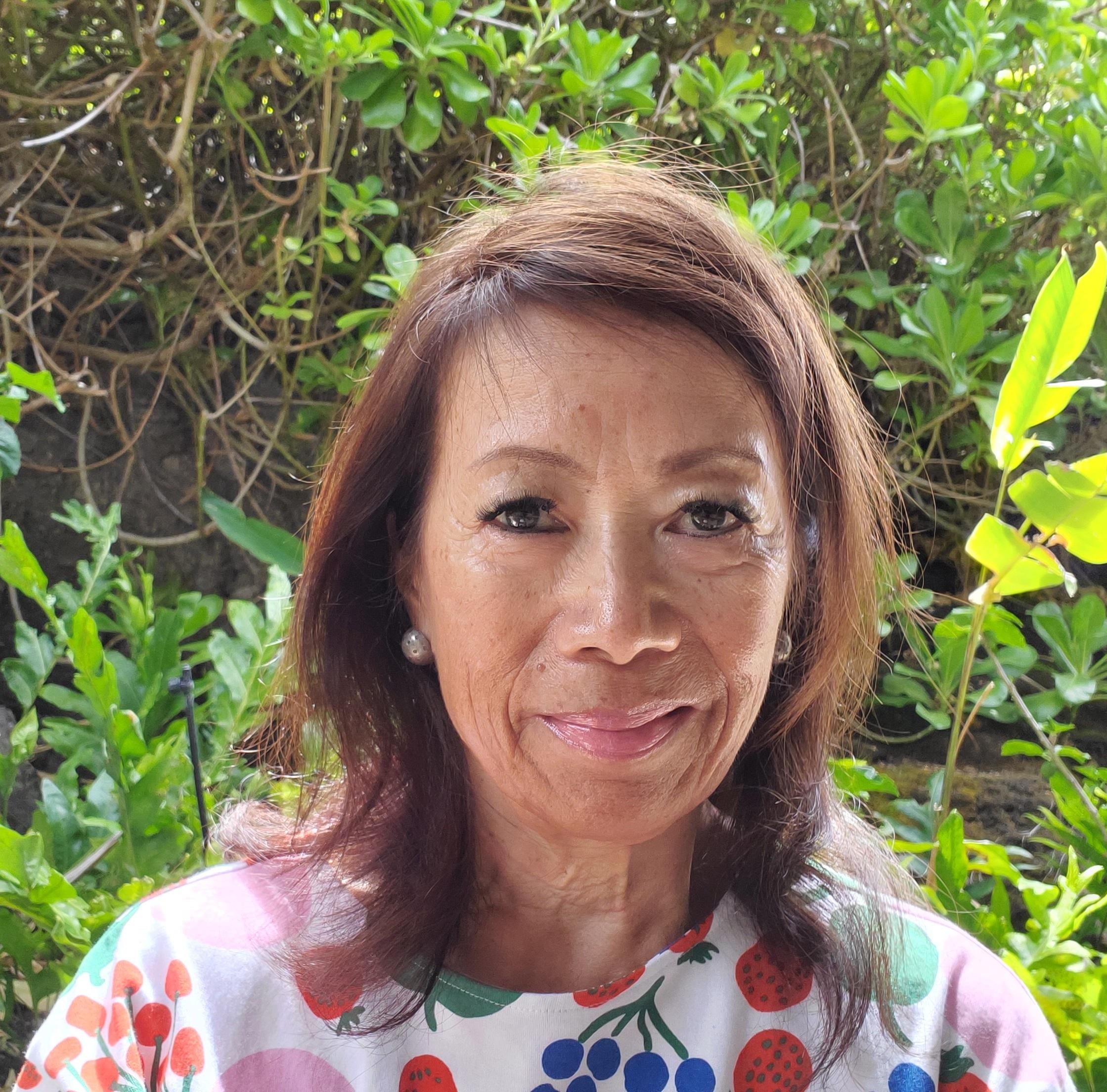 Gloria Lau Headshot