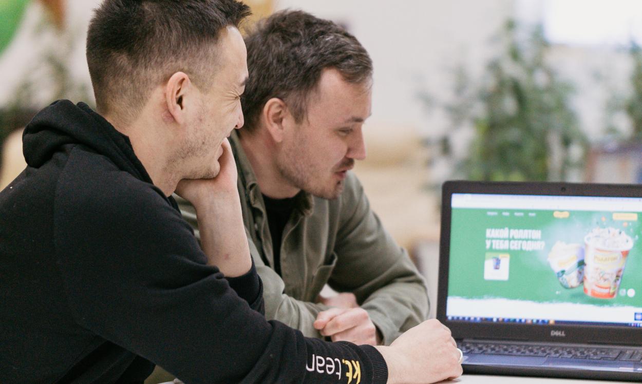 Наши проектные менеджеры обсуждают проект