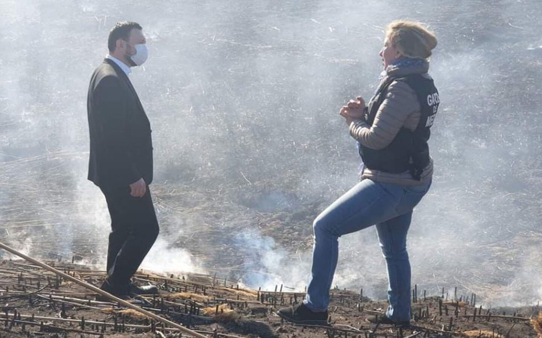 Cine să sesizeze arderile ilegale pe timp de noapte? Ministrul Mediului: Sunt doar 2 oameni permanent la Garda de Mediu București