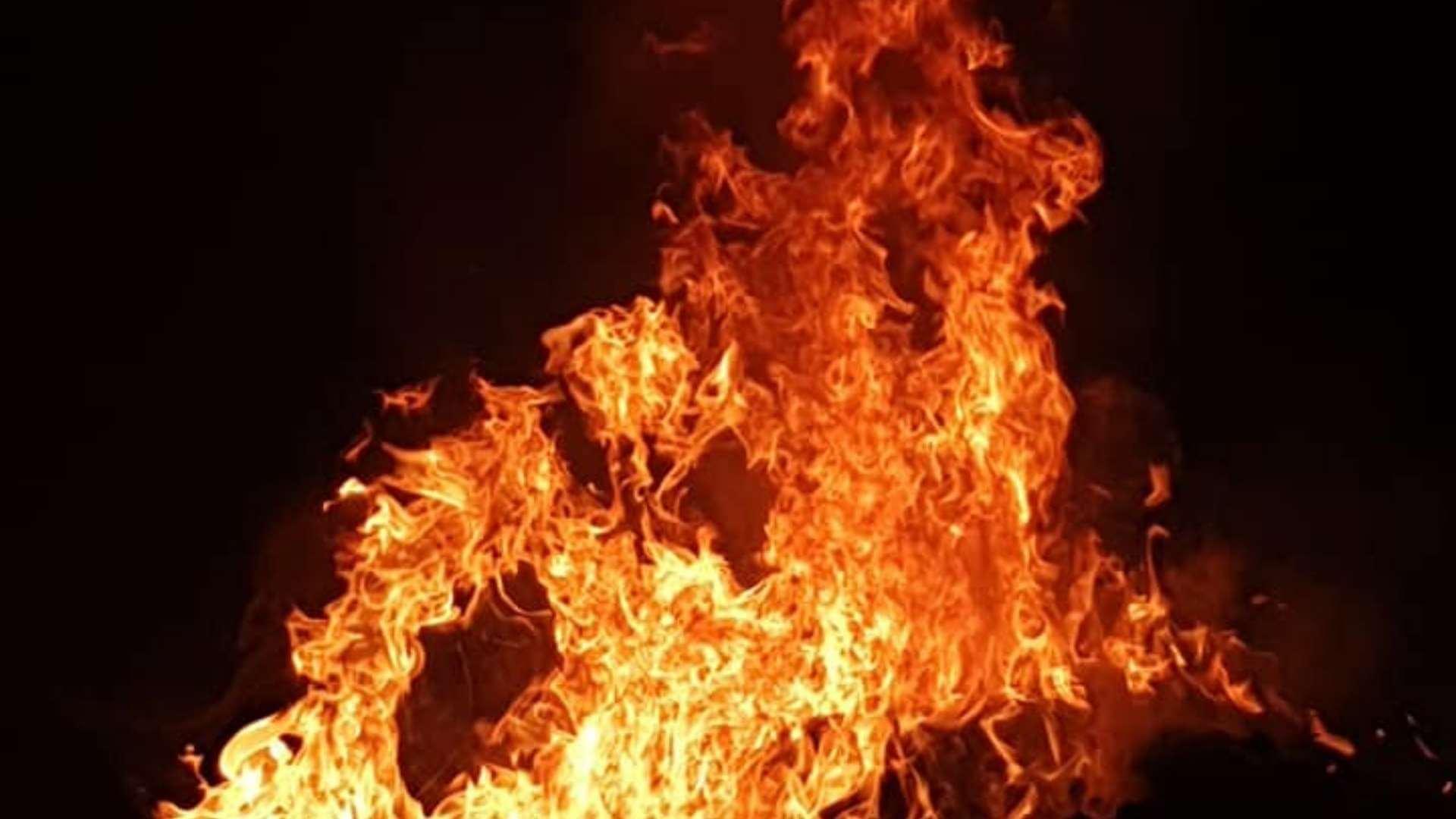 """Lăsata secului """"s-a lăsat"""" cu cauciucuri arse"""