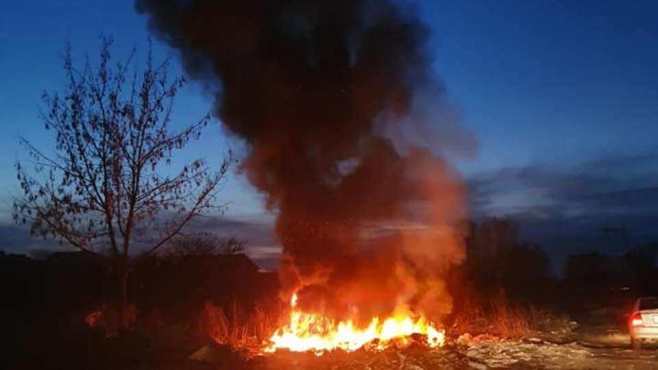 cauciucuri arse Sintești, județul Ilfov