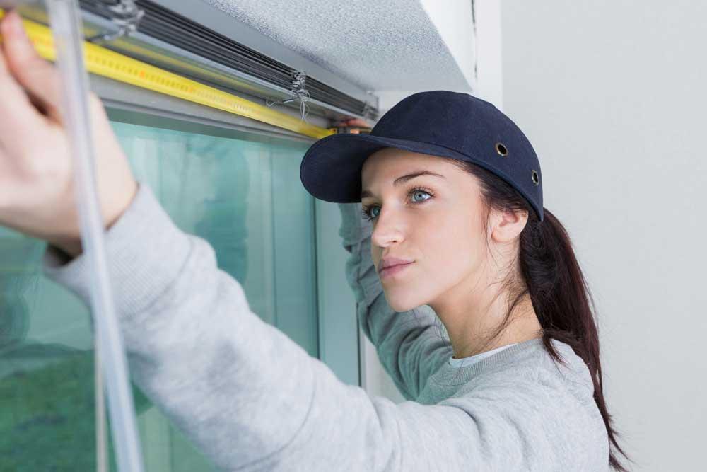 Should a Window & Door Salesperson Be Licensed