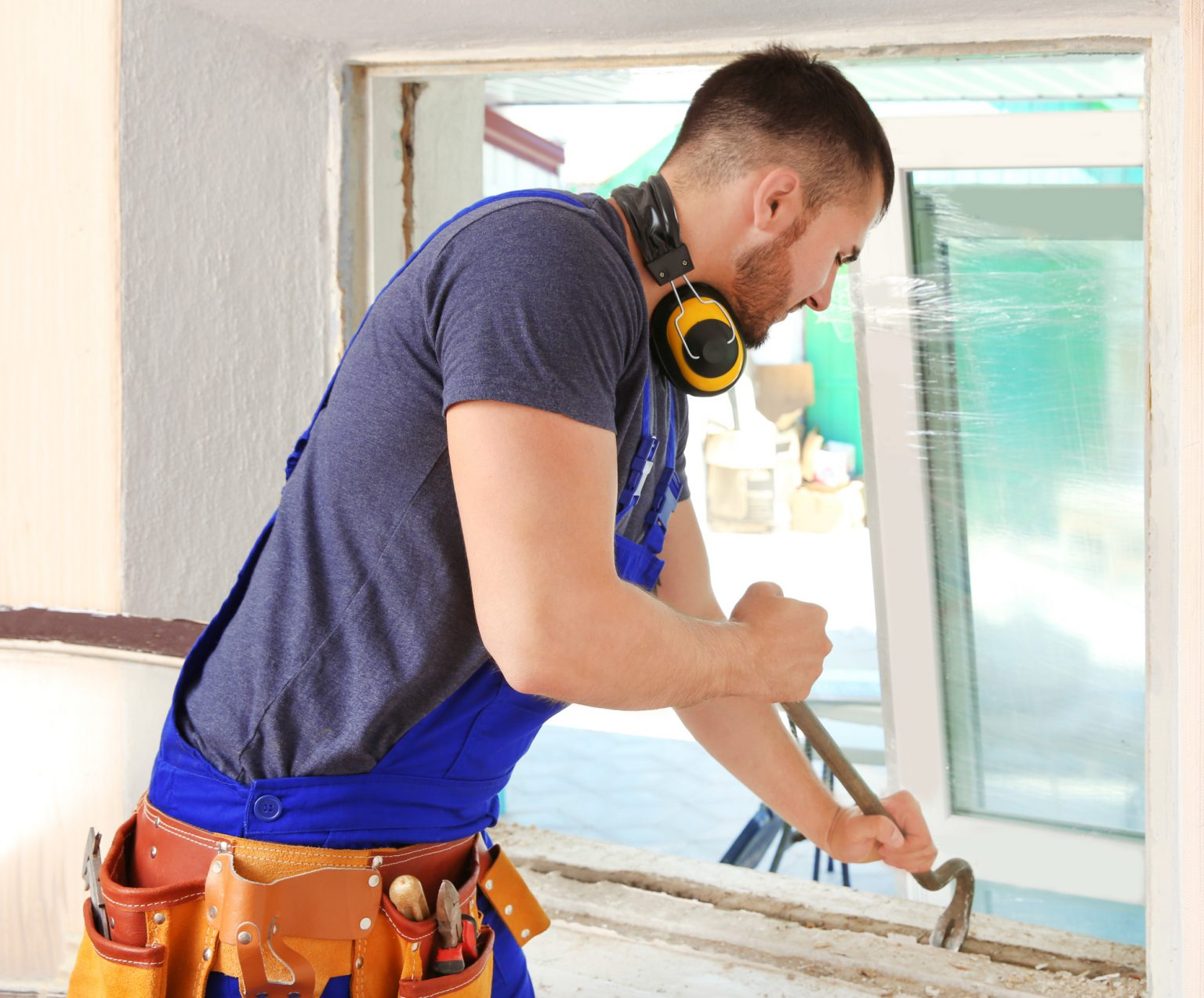 7 Telltale Signs It's Time to Replace Windows on Your Home