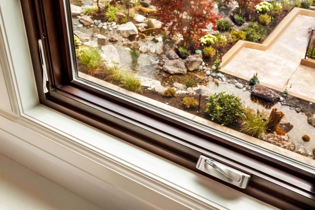 How to repair window leaks