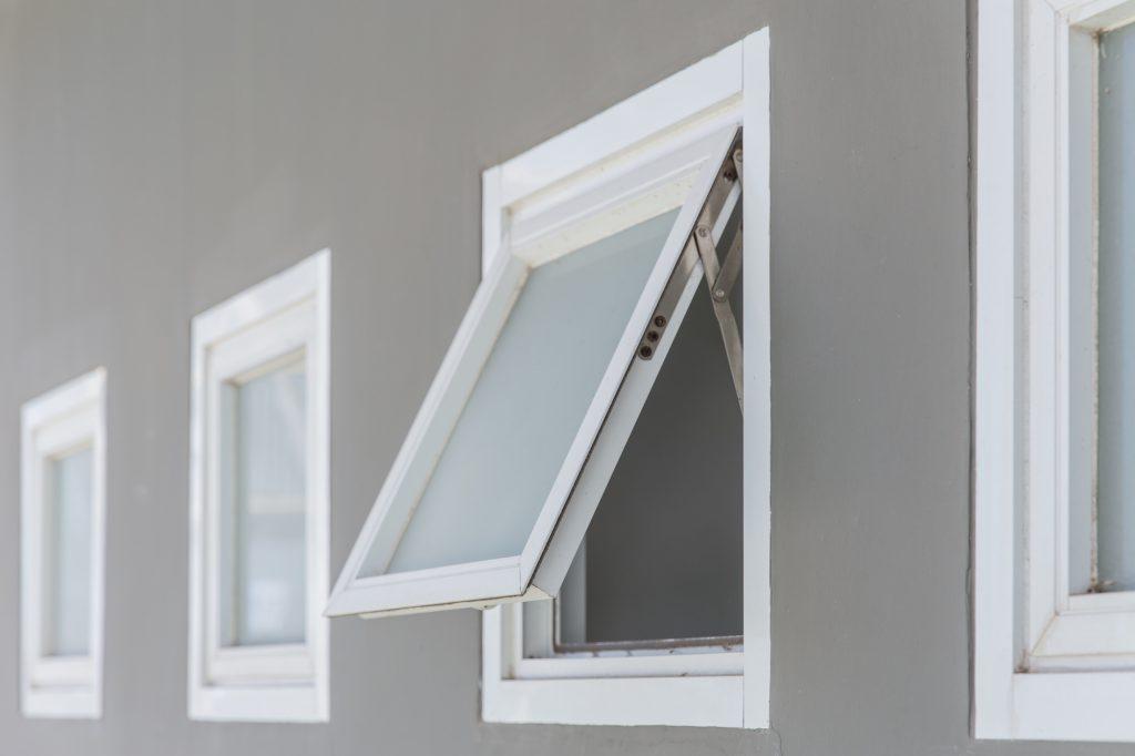 aluminum and vinyl awning windows