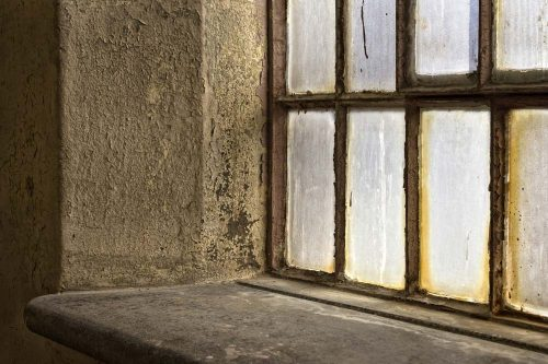 Expert-Tips-on-Recycling-Old-Windows