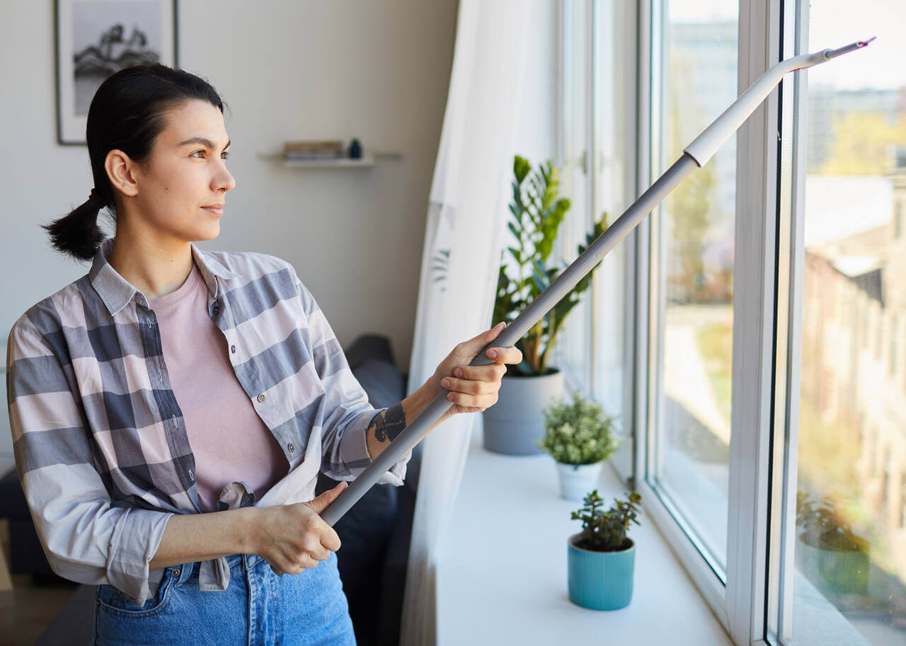 How to Clean Your Vinyl Windows in San Diego