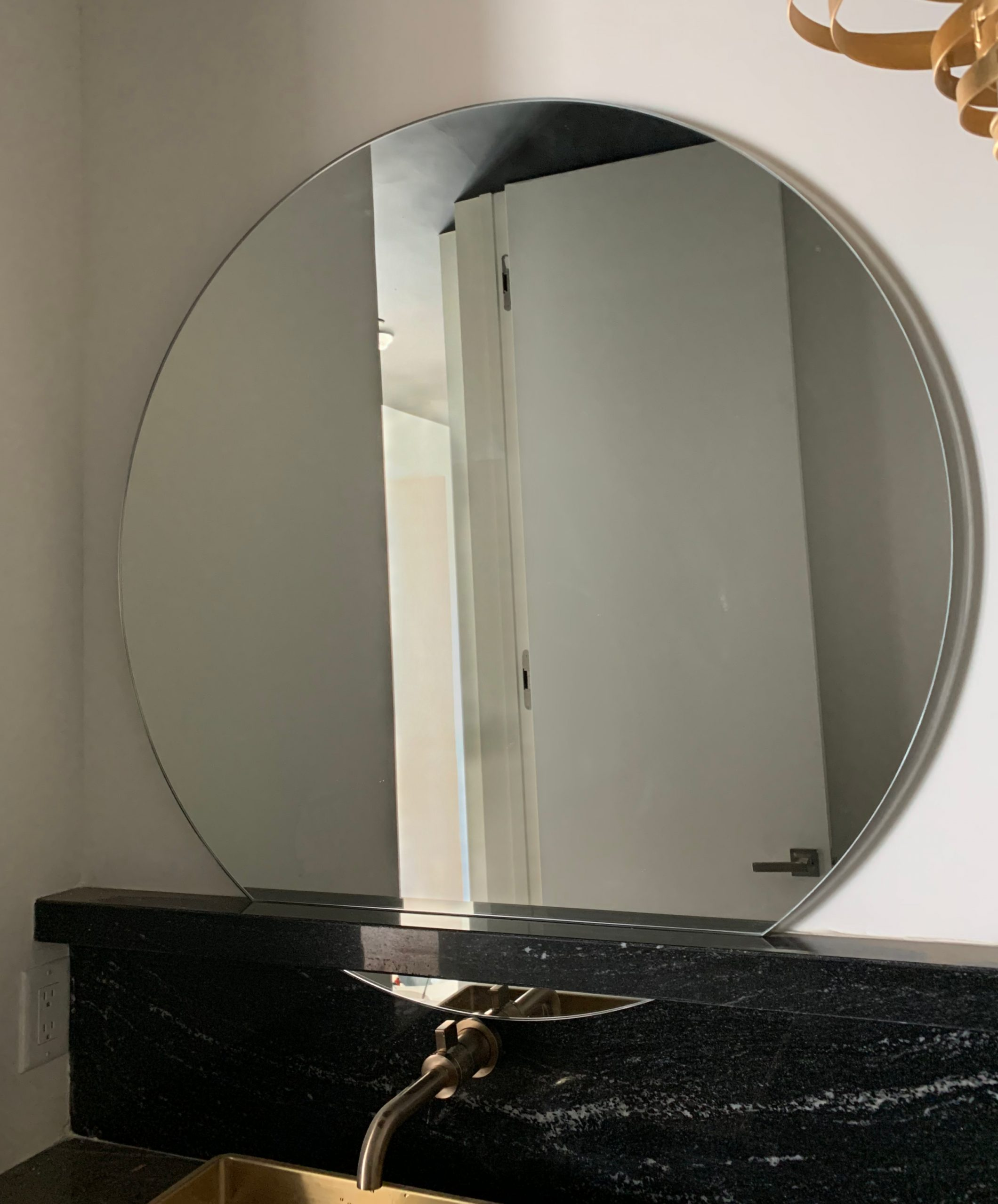 Round Bathroom Vanity Mirror
