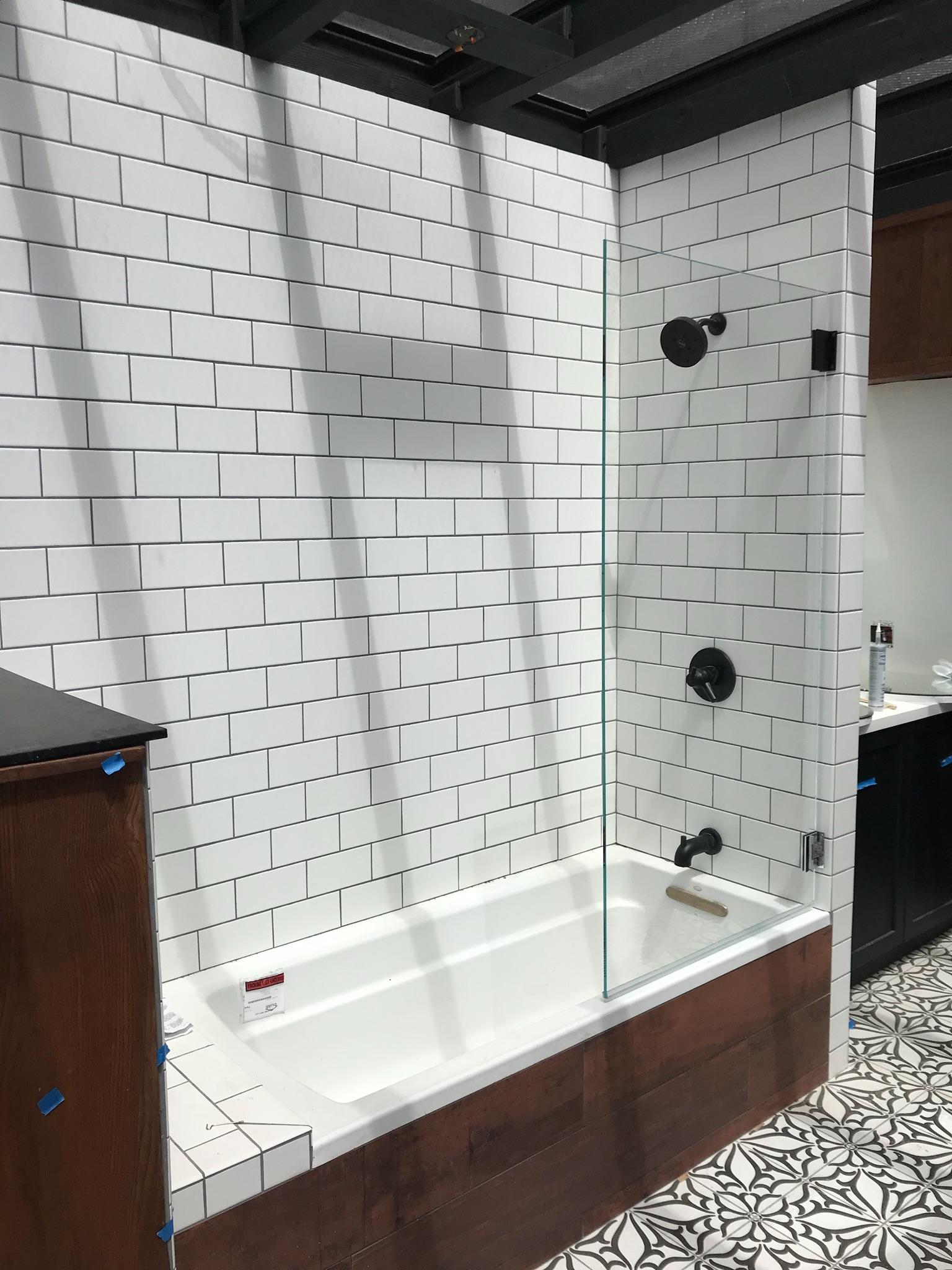 Tub & Shower Screen