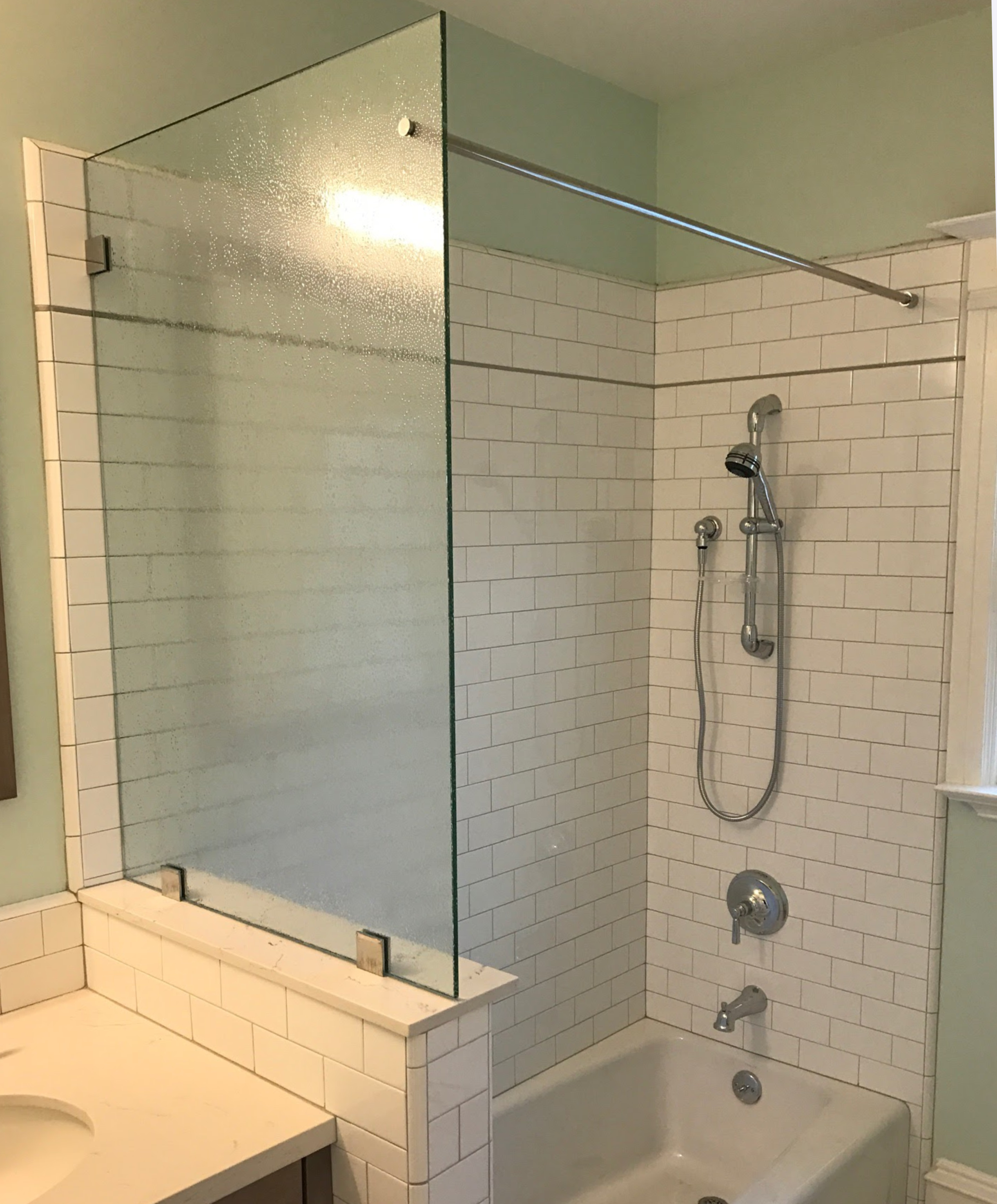 Pattern Shower Screen Through Glass Shower Curtain Rod