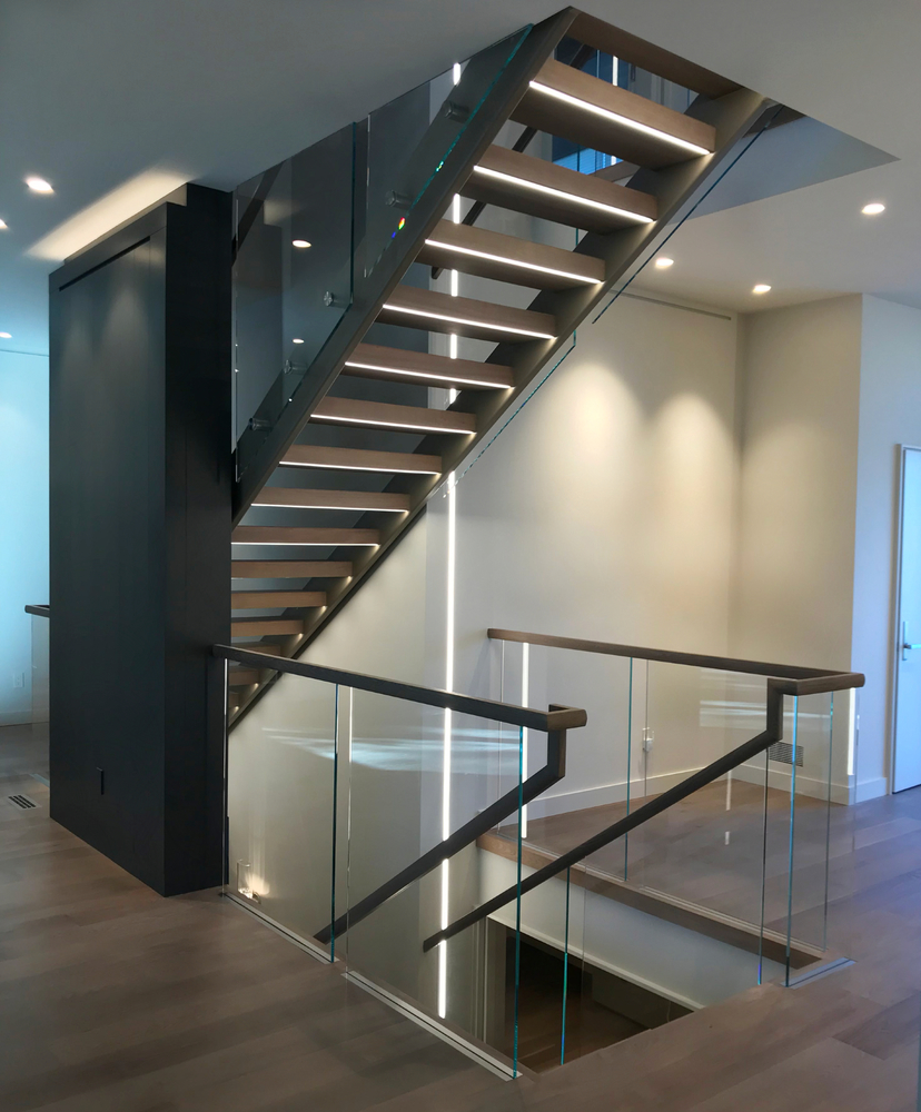 Recessed Base Shoe Interior Glass Railing