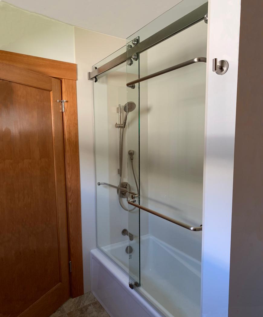 Sliding SHower Door with 3 Towel Bars