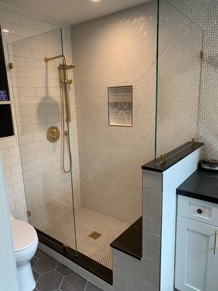 Frameless Shower Splashguard