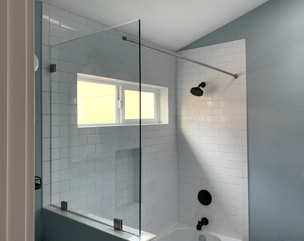 Shower Screen with Through Glass Curtain Rod