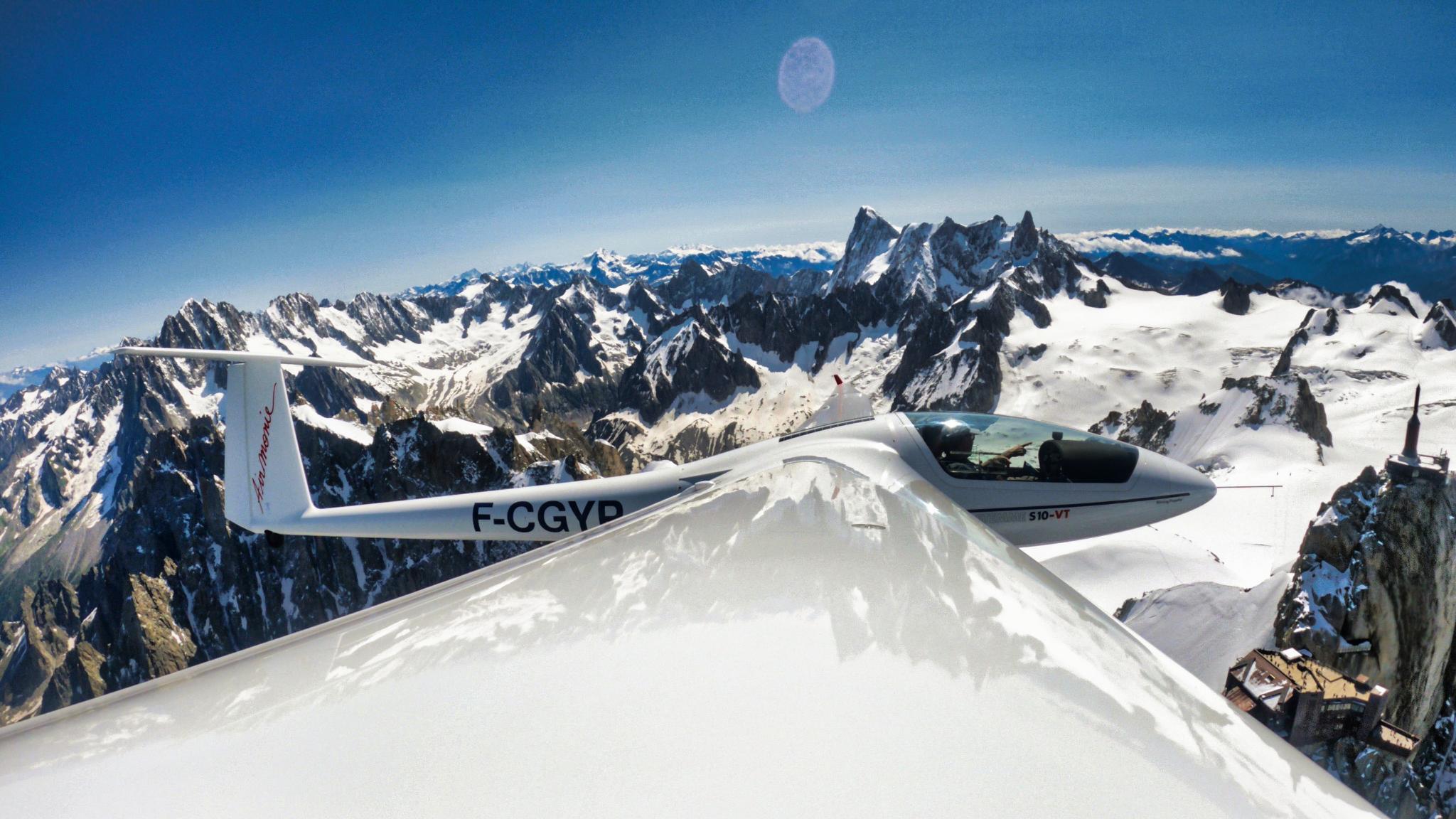 Mont Blanc depuis le bout d'aile du planeur