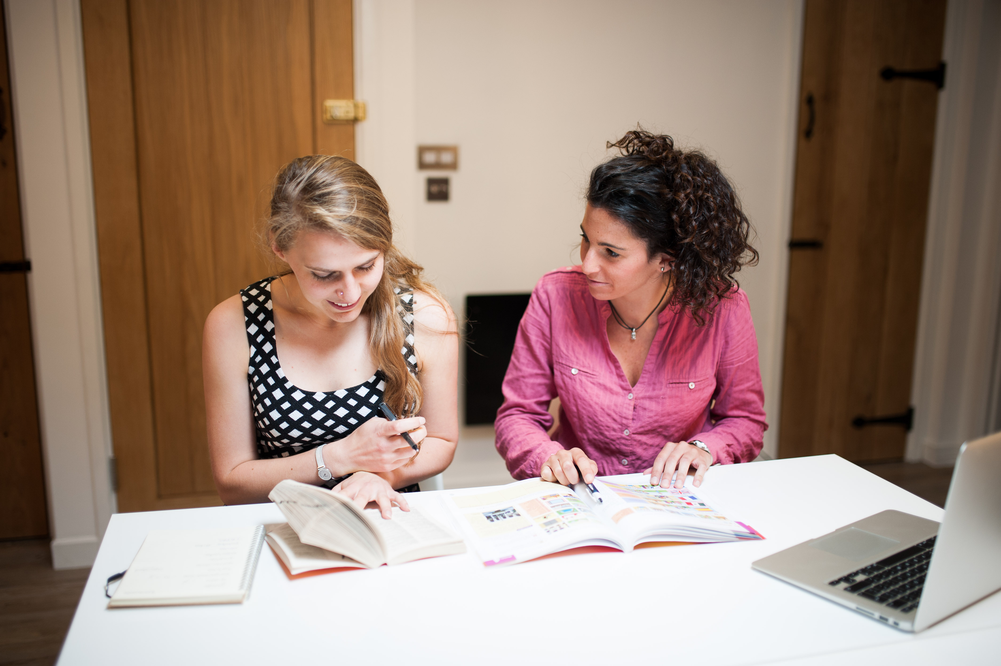 Book an Assessment with one of our French, Spanish or English tutors for private lessons