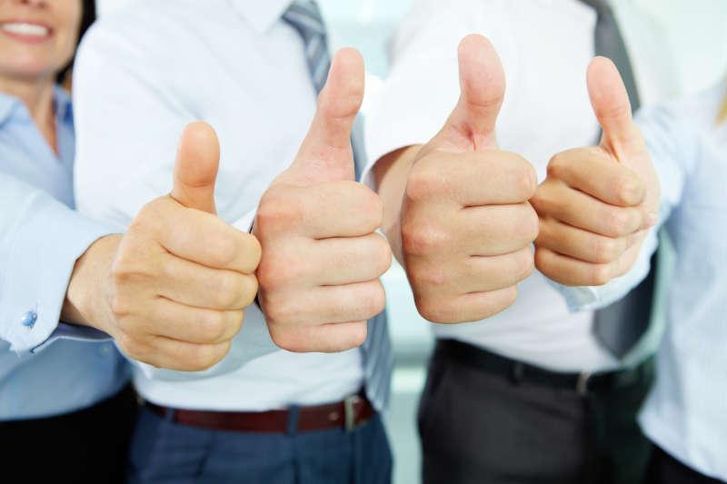 Vier positieve duimen