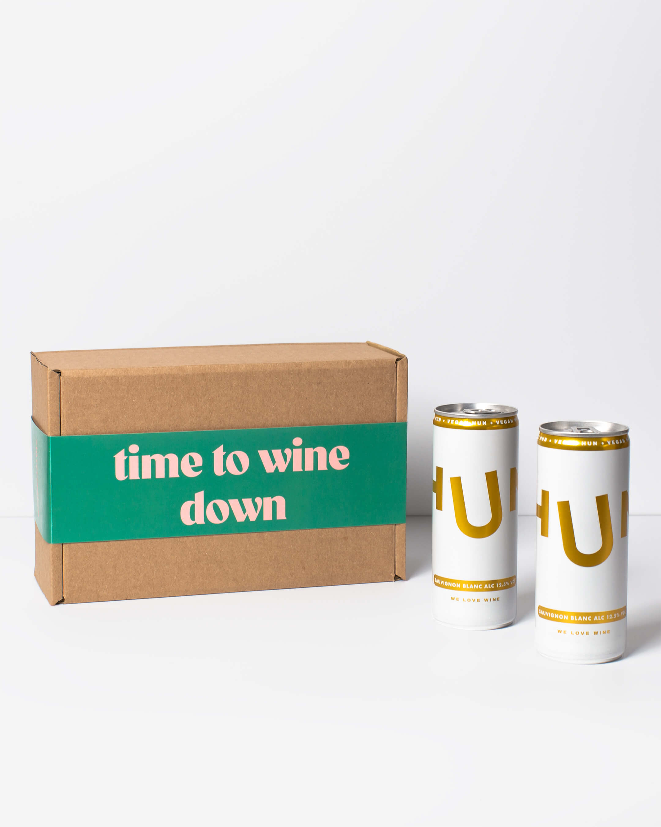 Hun white wine cans & ta. box